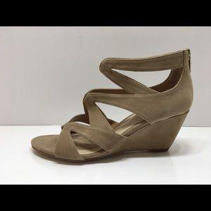 Isola Filisha Wedge Sandal Size 8